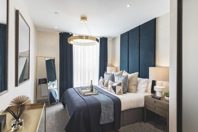 Thumbnail Flat for sale in London Road, Staines-Upon-Thames, Surrey