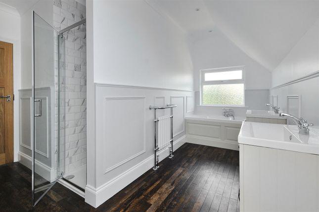Bathroom of Courtlands Way, Worthing BN11