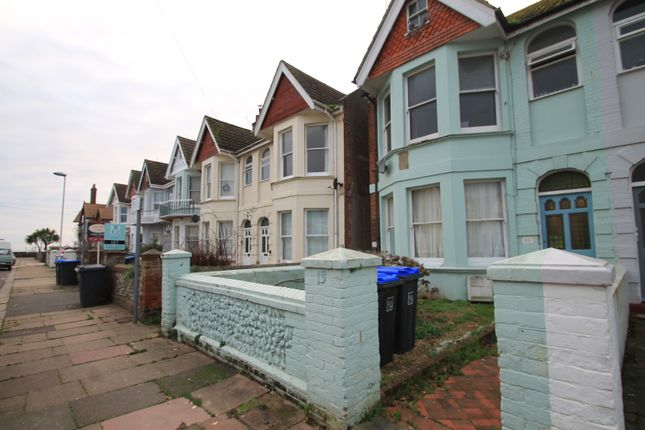 Thumbnail Flat to rent in Alexandra Road, Worthing