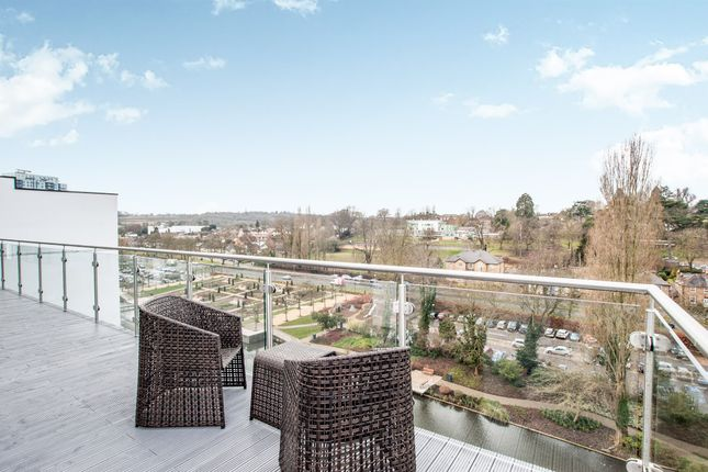 Thumbnail Penthouse for sale in Waterhouse Street, Hemel Hempstead