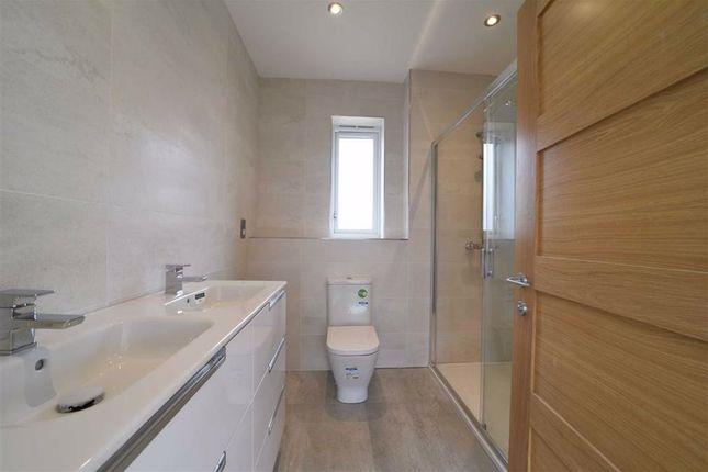 En Suite of Harbidges Lane, Long Buckby, Northampton NN6