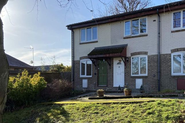 Thumbnail Cottage to rent in 4 Squerryes Mede, Westerham