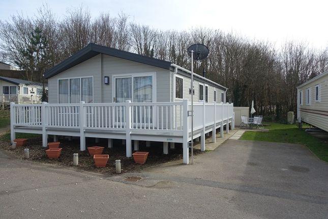 Thumbnail Mobile/park home for sale in Harleyshute Road, St Leonards On Sea