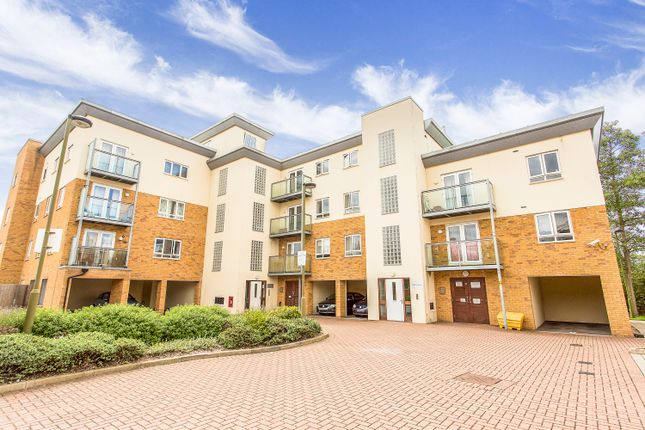 1 bed flat for sale in Mills Court, Borehamwood WD6