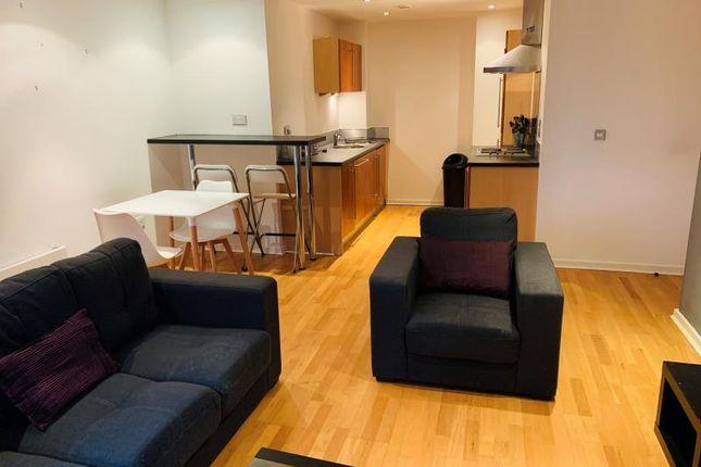 2 bed flat to rent in Gotts Road, Leeds LS12