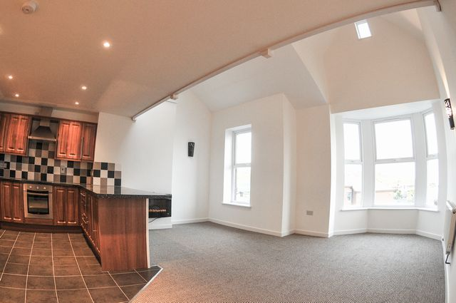 Thumbnail Flat to rent in Paget Road, Barry, South Glamorgan CF62, 5Tq