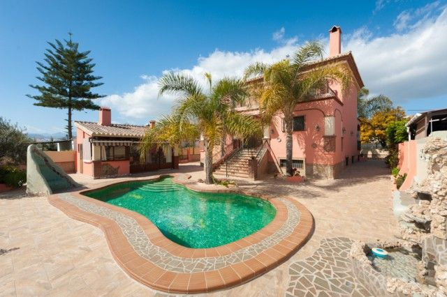 4 bed villa for sale in Spain, Málaga, Coín