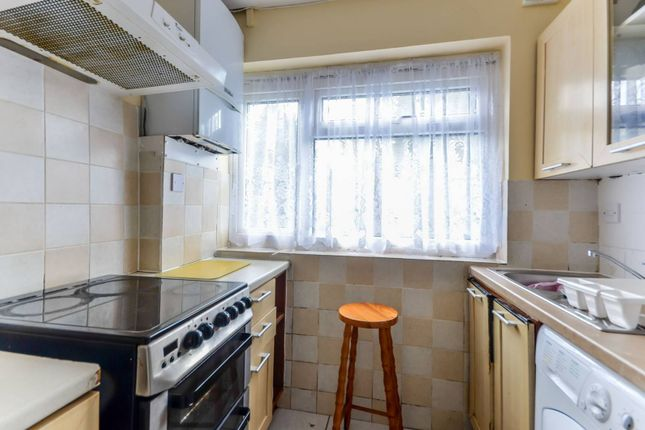 Thumbnail Flat to rent in Glanville Road, Bromley