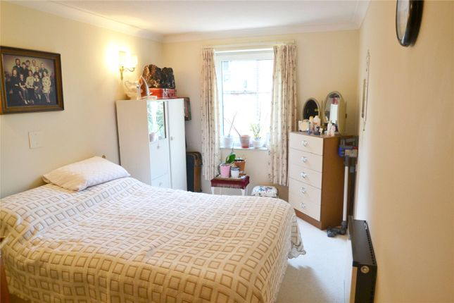 Bedroom of Cassio Road, Watford WD18