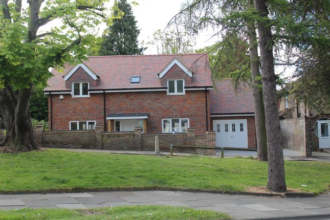 Thumbnail Detached house for sale in Fernville Lane, Midland Road, Hemel Hempstead