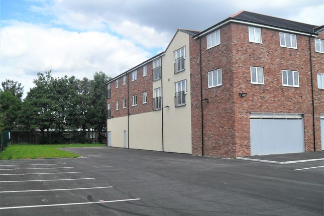 Thumbnail Duplex to rent in Doncaster Road, Rotherham