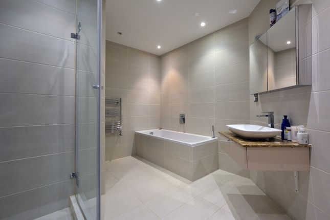 Bathroom-749 of Hodford Road, London NW11