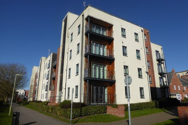 Thumbnail Flat to rent in Sinclair Drive, Basingstoke