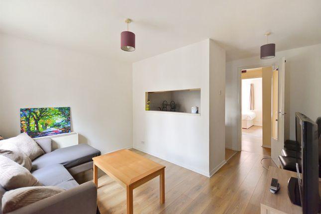 Living+Area of Achilles Close, London SE1