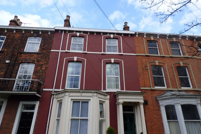 Thumbnail Flat to rent in Bargate, Grimsby