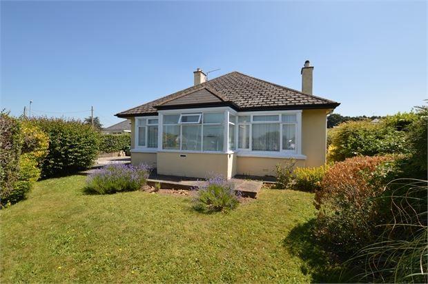 Thumbnail Detached bungalow for sale in Exeter Road, Kingsteignton, Newton Abbot, Devon.