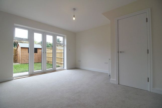 Thumbnail Property for sale in Woolhampton Way, Reading
