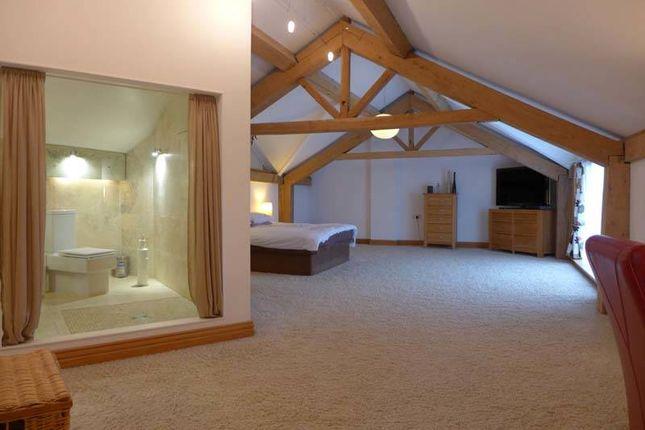 Master Suite of Broadpool Lane, Hambleton, Poulton-Le-Fylde FY6