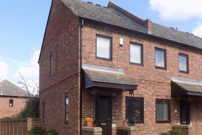 Thumbnail Property to rent in Fewster Way, York