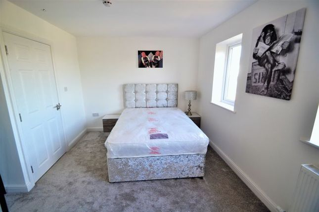 Thumbnail Room to rent in Bolton Road, Pendlebury, Swinton, Manchester