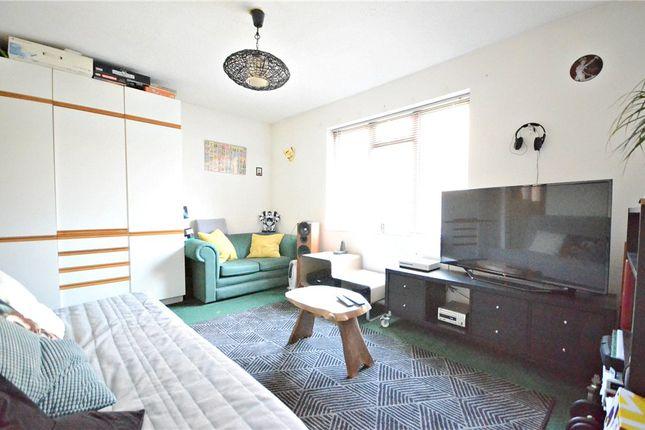 Lounge/Bedroom of Rowe Court, Grovelands Road, Reading RG30