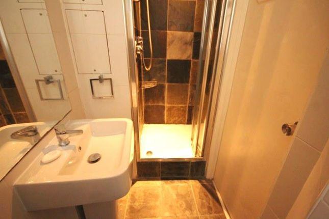 14 Hester Street- Bathroom