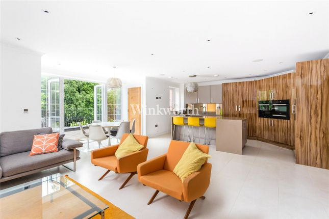 Thumbnail Flat to rent in Bayview House, 20 Uplands Park Road, Enfield
