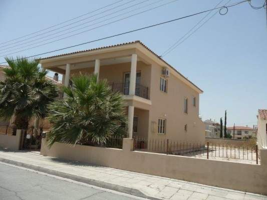 4 bed town house for sale in Aradippou, Cyprus