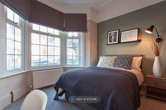 Room to rent in Brook Road, Thornton Heath