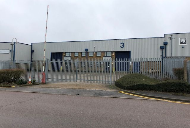 Thumbnail Warehouse to let in Babbage Road, Stevenage