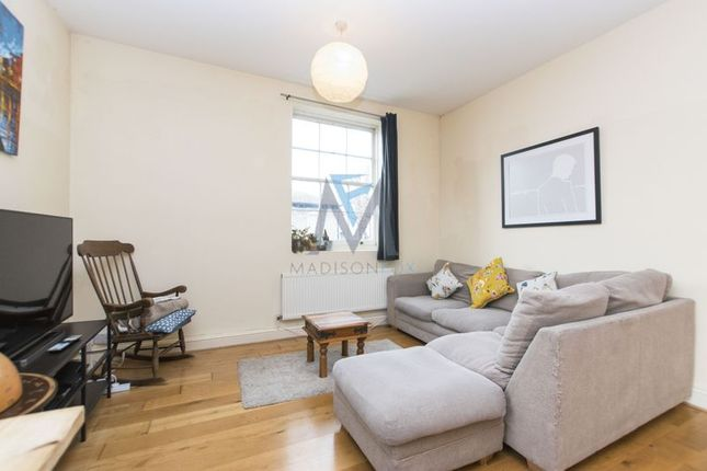 Flat to rent in Grosvenor Park Road, Walthamstow