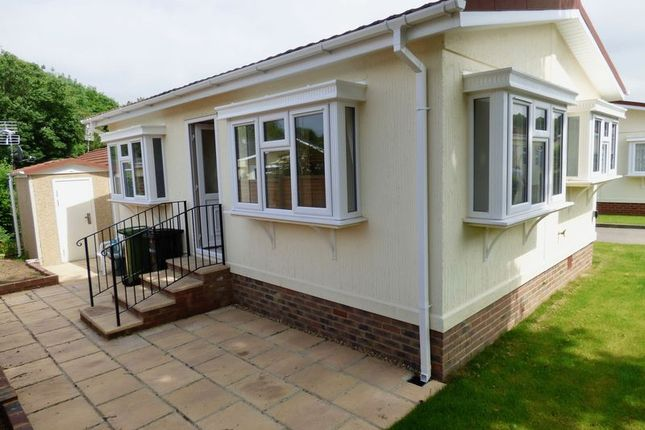 Thumbnail Mobile/park home for sale in Rickwood Park, Horsham Road, Beare Green, Dorking