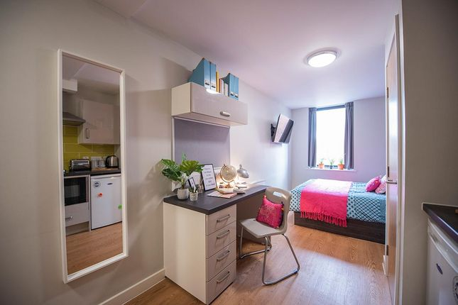New Image of Commonhall Street, Chester CH1