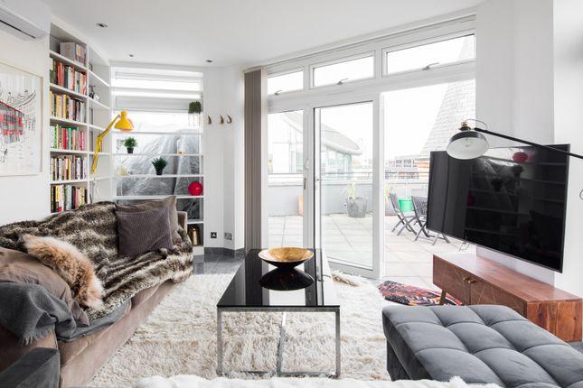 Thumbnail Duplex to rent in Farringdon Road, London