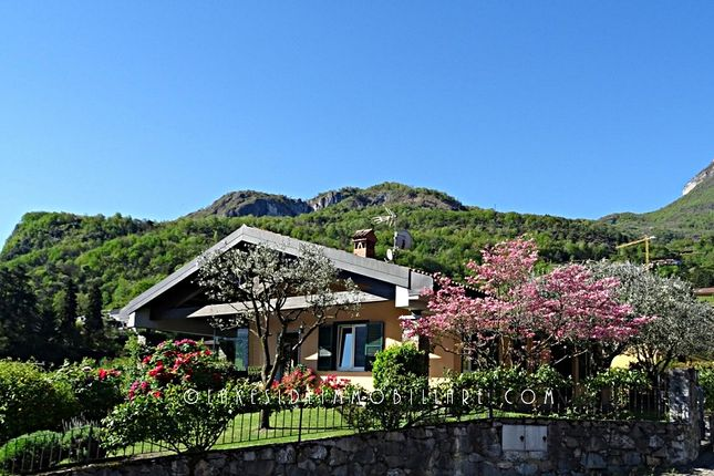 5 bed villa for sale in Menaggio, Como, Lombardy, Italy