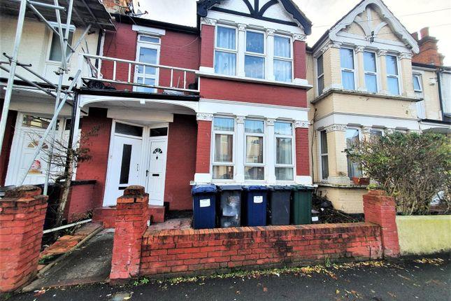 Thumbnail Maisonette for sale in Manor Park Crescent, Edgware
