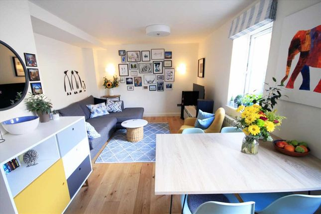 Thumbnail Flat for sale in Park Road, Bushey WD23.