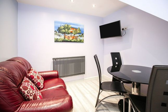 Thumbnail Property to rent in Park Avenue, Cheadle Hulme, Cheadle