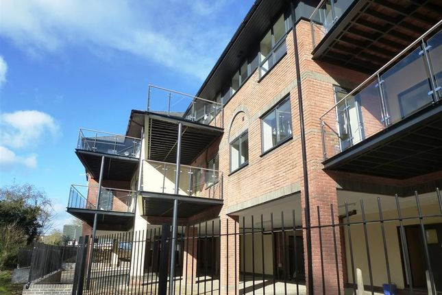 Thumbnail Flat to rent in Clearway House Industrial Estate, Overthorpe Road, Banbury