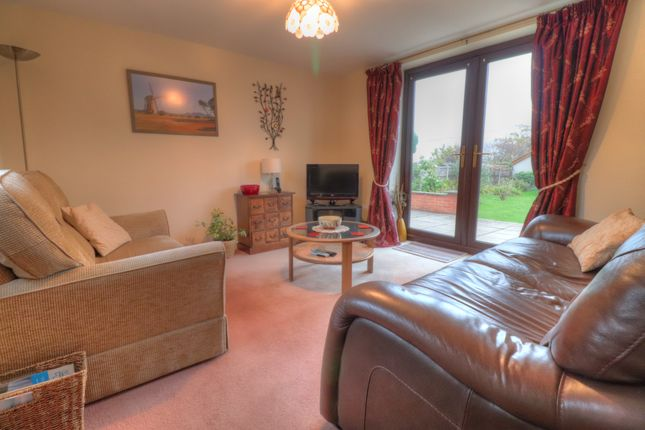 Reception Room of Crabtree Green, Wrexham LL13