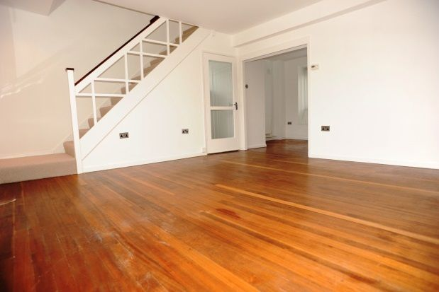 Thumbnail Maisonette to rent in Courtlands Avenue, Lee Green