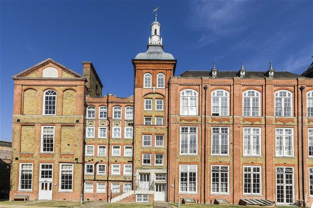 2 bed flat for sale in Stannary Street, London