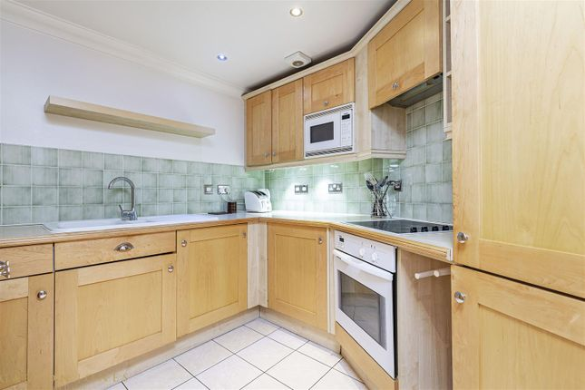 1 bed flat for sale in Greycoat House, Greycoat Street, Westminster, London SW1P