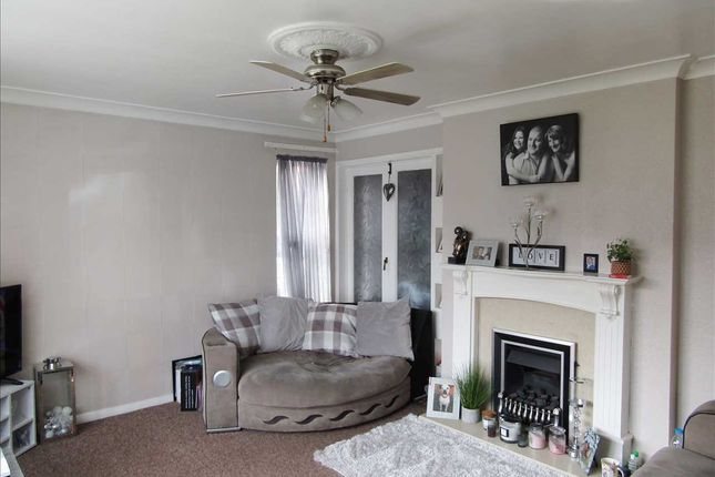 Semi-detached house for sale in Willoughby Road, Scunthorpe