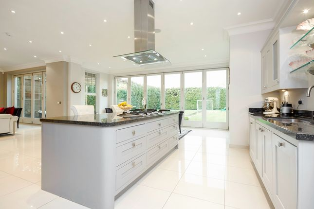 Thumbnail Detached house to rent in Leigh Hill Road, Cobham