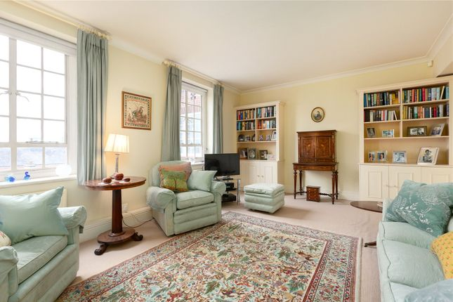 2 bed flat for sale in Swan Court, Chelsea Manor Street, London SW3