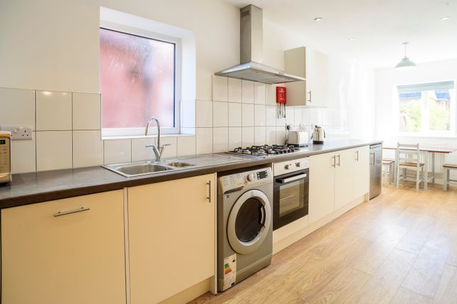 Thumbnail Semi-detached house to rent in Queens Road East, Beeston, Nottingham