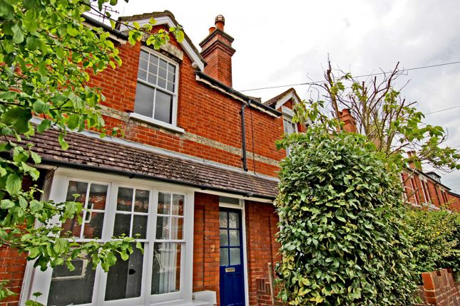 3 bed property to rent in Hart Road, Dorking