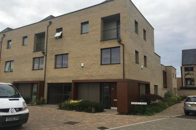 Thumbnail Room to rent in Harvest Road, Trumpington, Cambridge