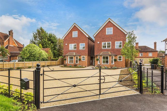 4 bed detached house to rent in The Common, Cranleigh